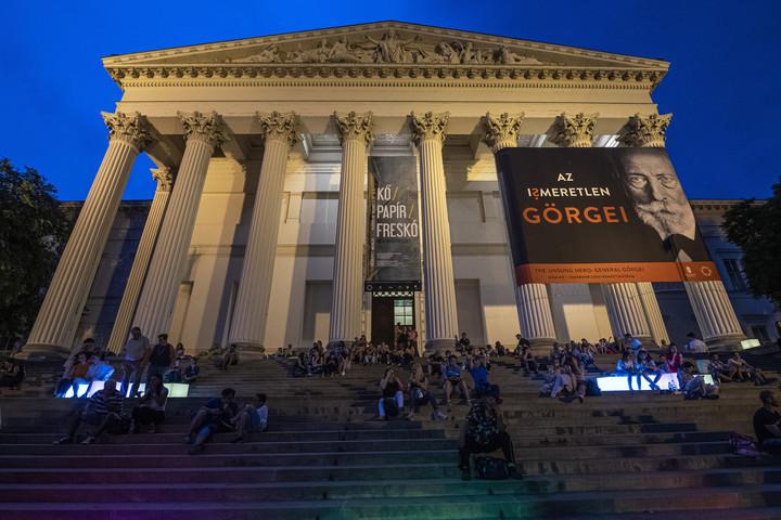 Bezár a Magyar Nemzeti Múzeum és a Szépművészeti Múzeum is