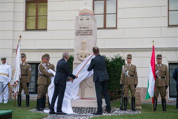 Emlékművet állítottak a Ludovika felkelésének centenáriuma alkalmából