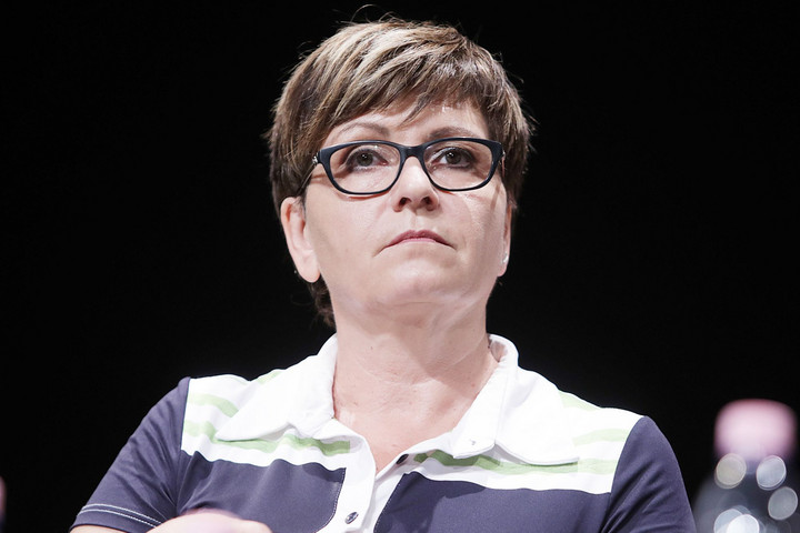 Lopott videóval kampányol Kálmán Olga