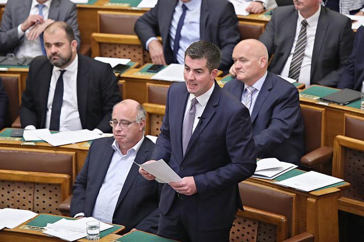 Fidesz: Weber és Timmermans elbuktak, ez jó hír Magyarország számára