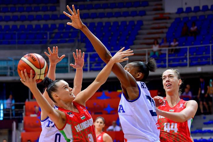 Kosárlabda: Az olaszokat is legyőzte, már negyeddöntős a magyar csapat az Eb-n