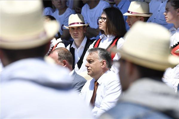 Orbán: Bátran kihúzhatjuk magunkat, megmaradtunk!