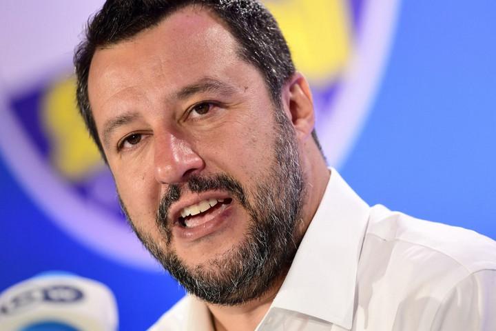 Salvini nemet mondott a Genovába érkezett bevándorlókra