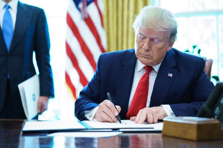 Trump újabb szankciókat rendelt el Irán ellen