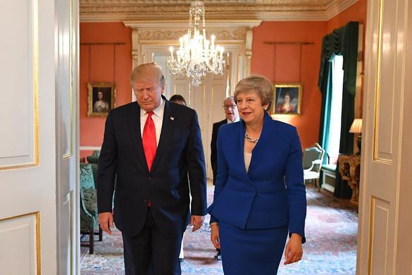 Theresa May: Szabadkereskedelmi megállapodásra törekszünk Amerikával
