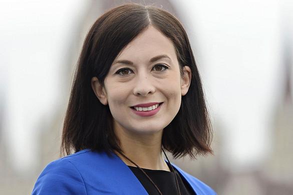 A botmixeres Cseh Katalin lemondását követelik