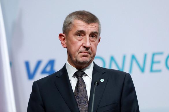 Kudarcot vallott a cseh ellenzék