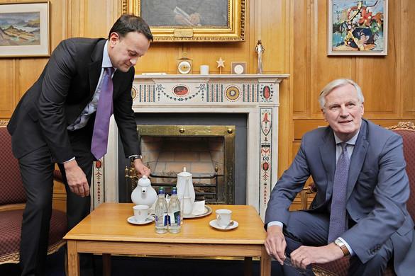 Barnier-re cserélhetik Webert