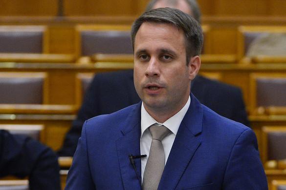 Dömötör Csaba: Nagy vitákra számít a kormány az EU-ban