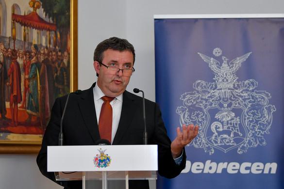 Palkovics László: A kormány 35 milliárddal támogatja a debreceni oktatásfejlesztést