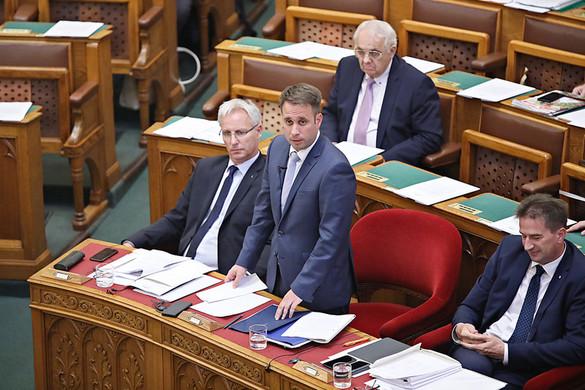 Dömötör: A Jobbik nem néppártosodik, hanem politikai huliganizmust folytat