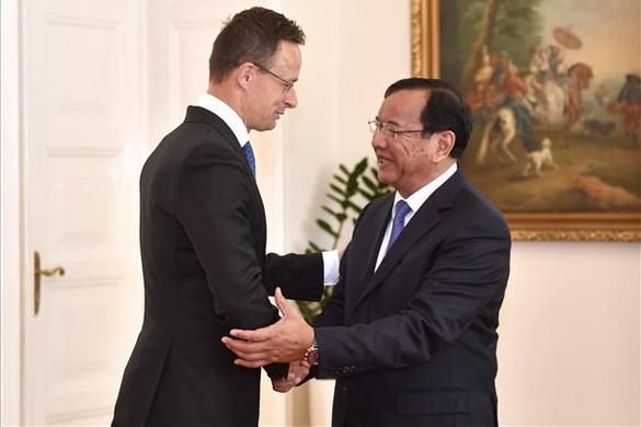"""""""Magyarország érdeke, hogy fejlődjenek a gazdasági kapcsolatok Délkelet-Ázsiával"""""""