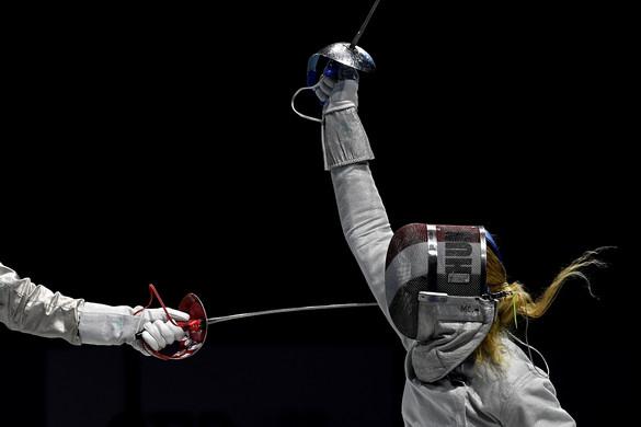 Ezüstérmes a női kardcsapat
