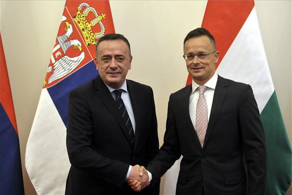 Szijjártó megállapodást írt alá Szerbiával a gázvezeték-építésről