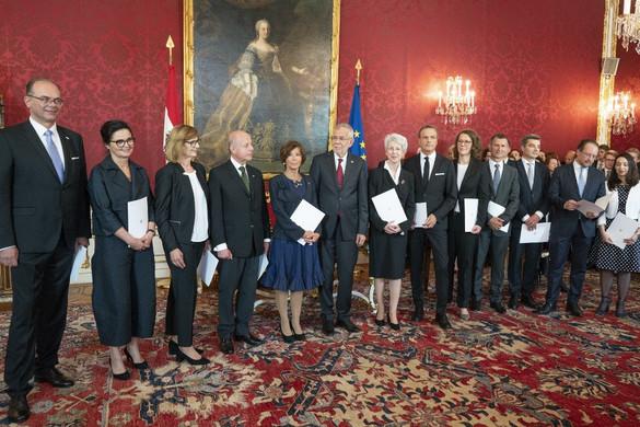 Kinevezték az átmeneti osztrák kormány minisztereit