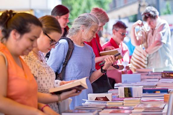 A kortárs irodalom hétvégén a Duna-korzón vendégeskedik