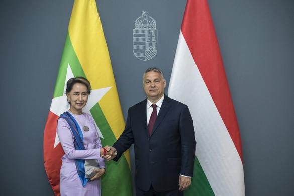 A mianmari államtanácsossal tárgyalt a kormányfő