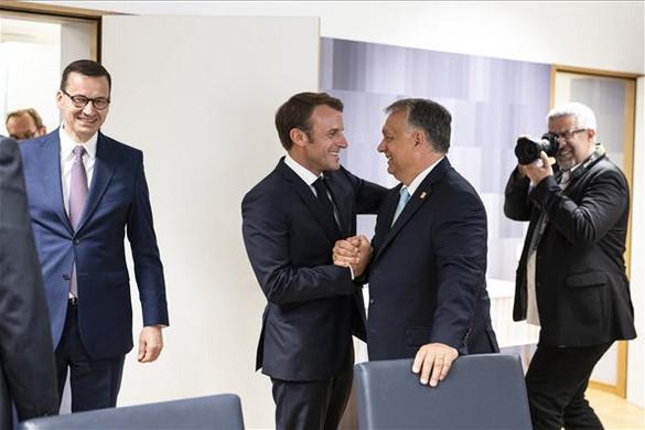 Macron-Orbán csúcs lesz Párizsban