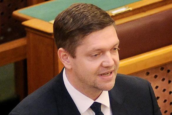 A Fidesz kiáll a béremelések mellett