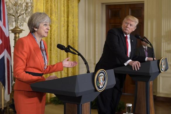 A brit kormányfővel és globális cégek vezetőivel tart üzleti fórumot Trump