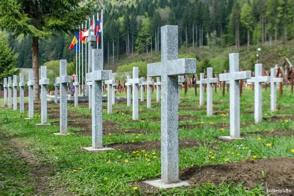 Bukarest szerint 11 román katona nyugszik az úzvölgyi temetőben