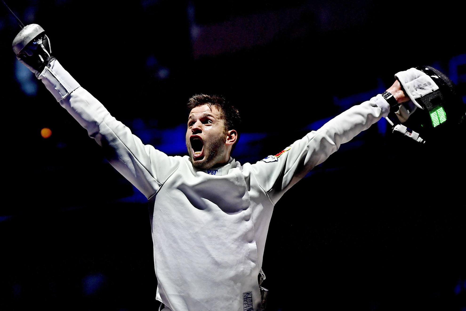 A Honvéd 21 éves vívójának nagy pillanata: világbajnok lett a hazai közönség előtt