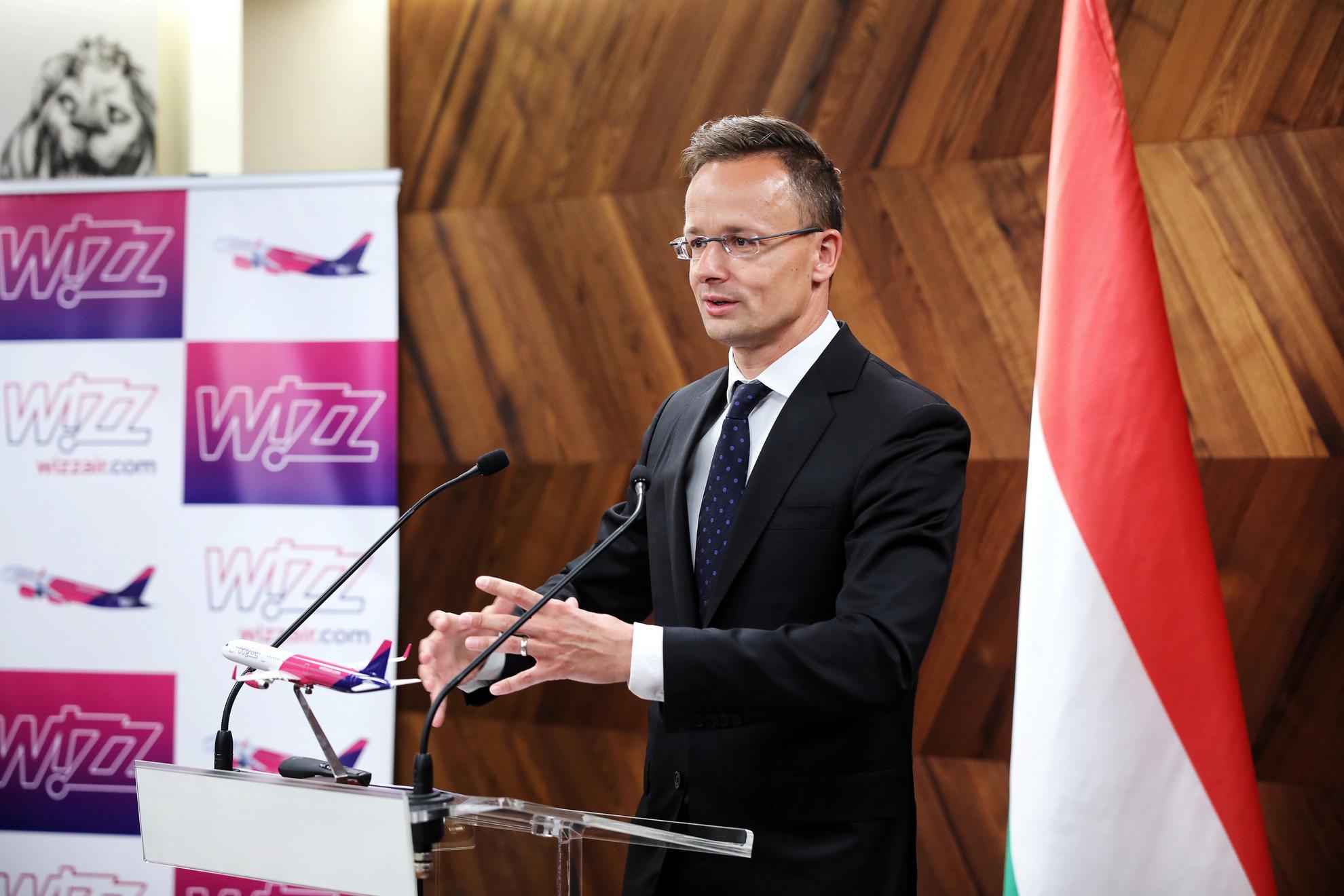 Szijjártó Péter Magyarország alapvető érdekének nevezte, hogy gyors és hatékony összeköttetései legyenek a világgal