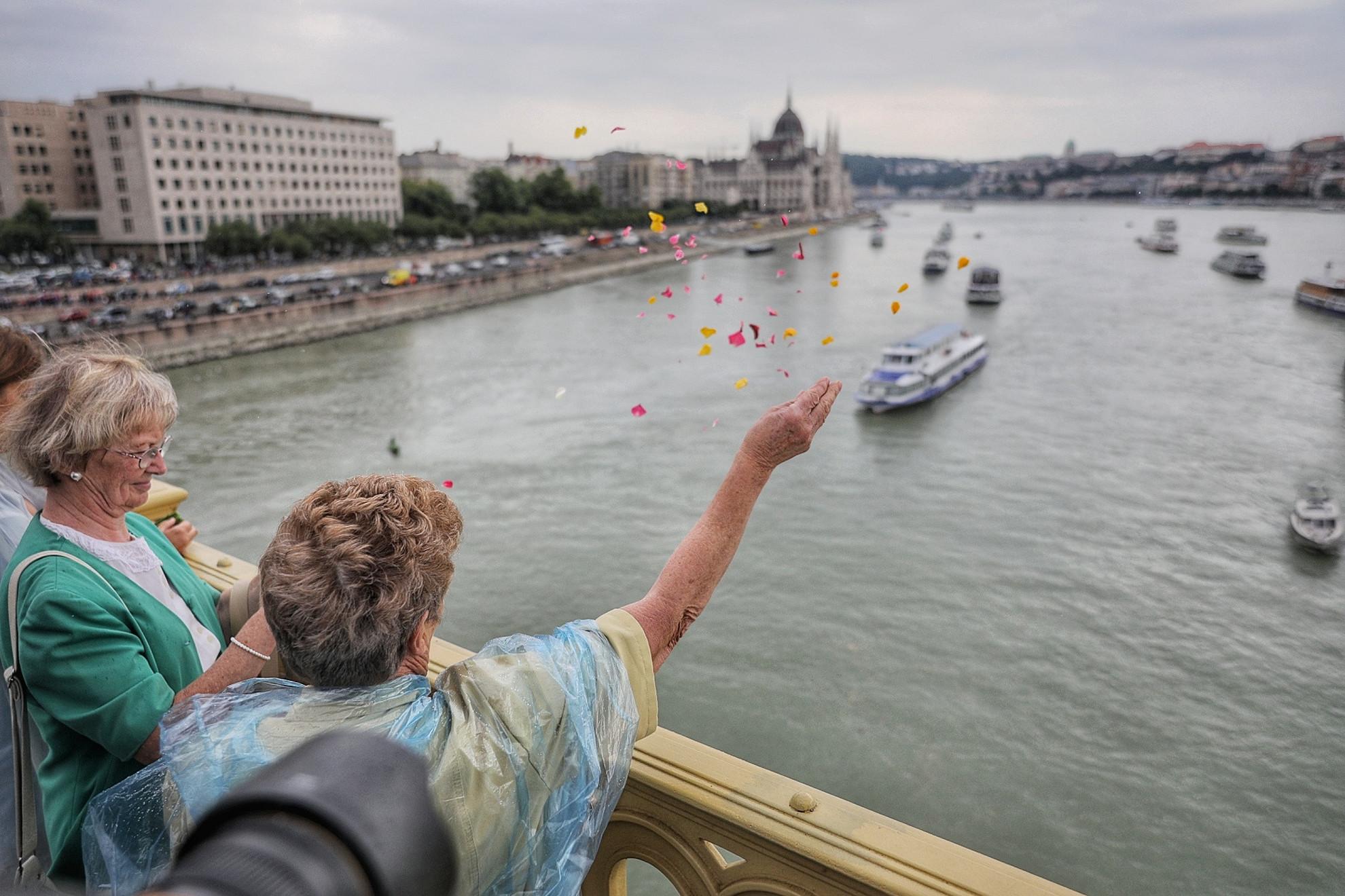 A Hableány sétahajó május 29-én este a Margit híd közelében süllyedt el