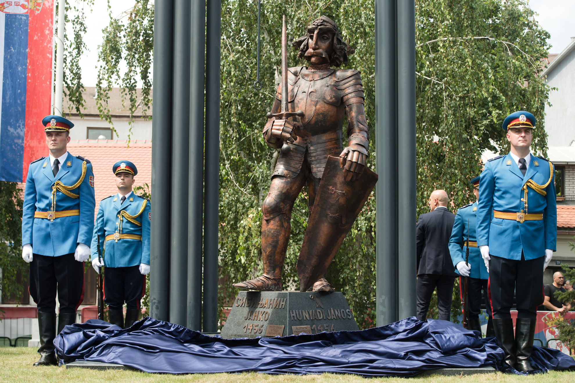 Hunyadi János újonnan felavatott szobra a Belgrádhoz tartozó Zimonyban