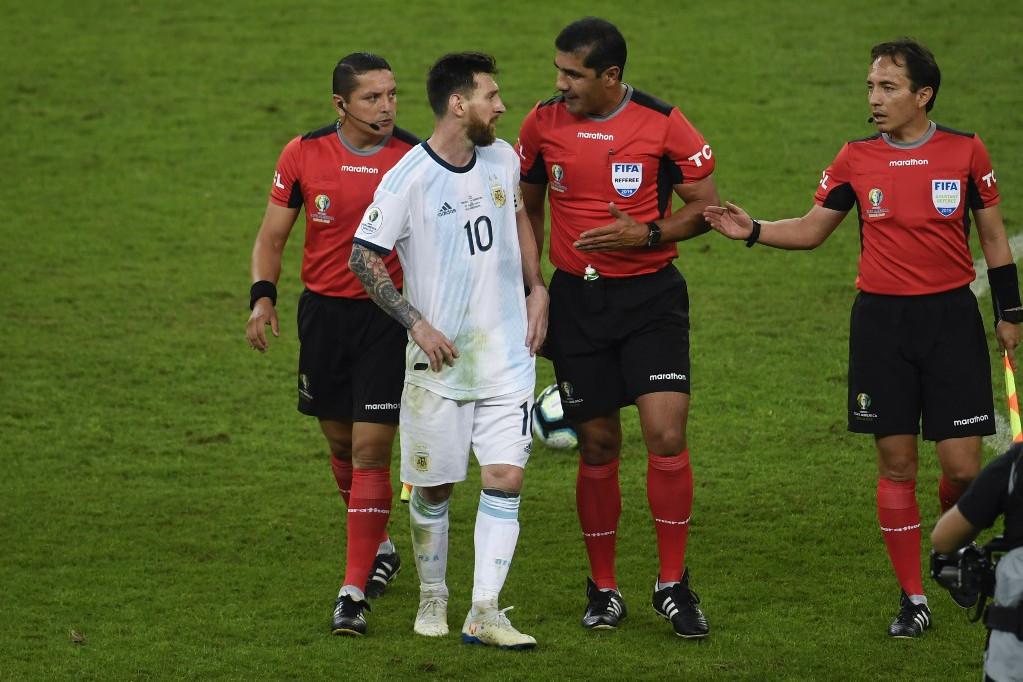 Messi a meccs után személyesen is szóvá tette a bíróknál a szerinte hibás ítéleteket