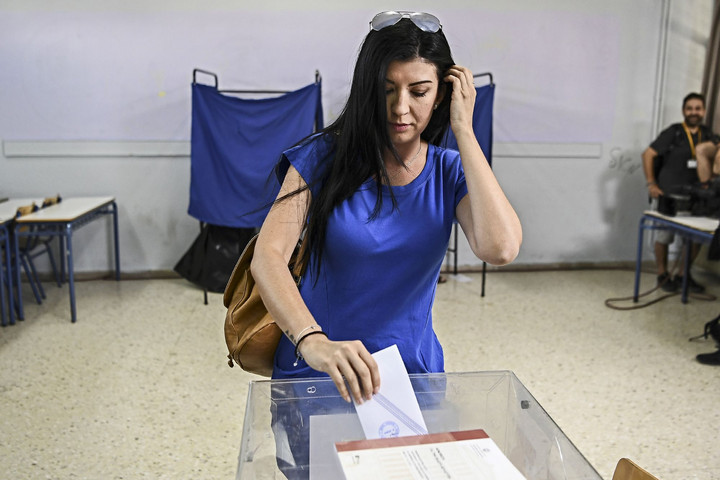 Jobboldali siker Görögországban