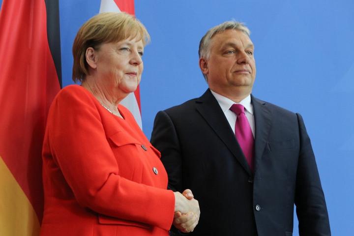 Orbán és Merkel együtt ünneplik a Páneurópai Piknik évfordulóját