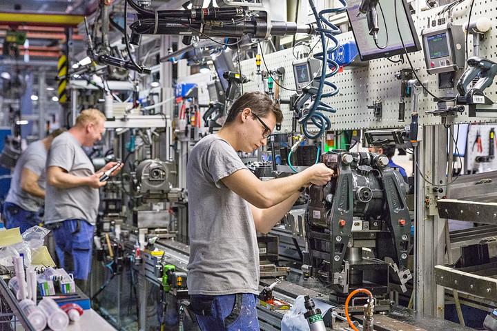 A kevesebb munkanap miatt csökkent az ipari termelés