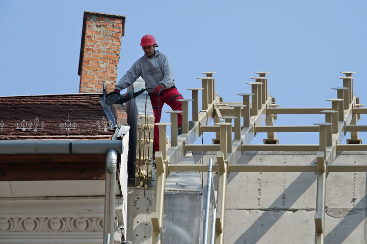 Továbbra is élénken tartja a gazdaságot az építőipar