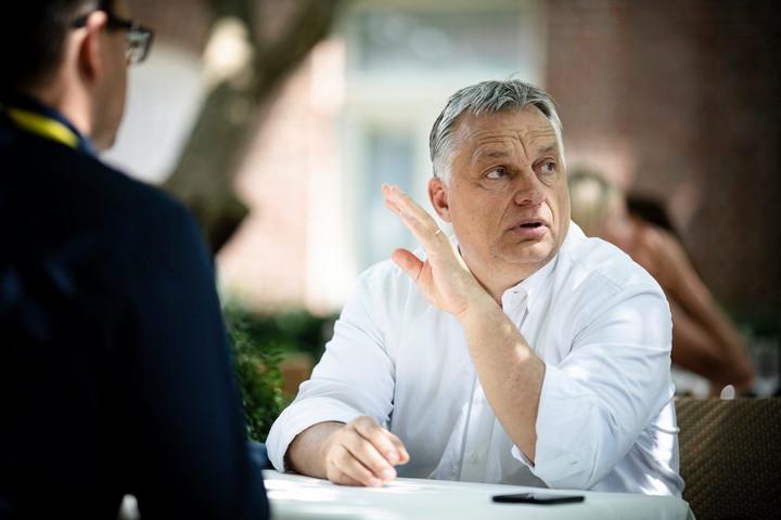 Orbán Viktor Rómába és Párizsba utazik