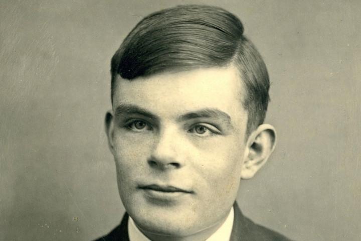 Alan Turing lesz az új ötvenfontoson