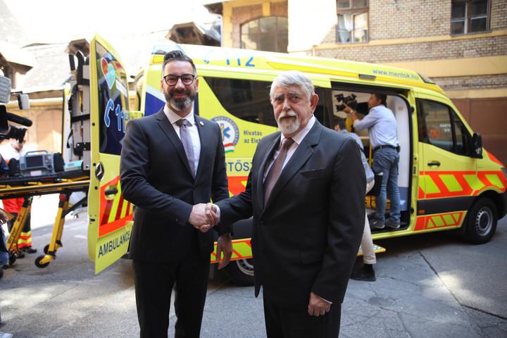 Kásler: 1,6 milliárd forintért szerezhet be eszközöket a mentőszolgálat