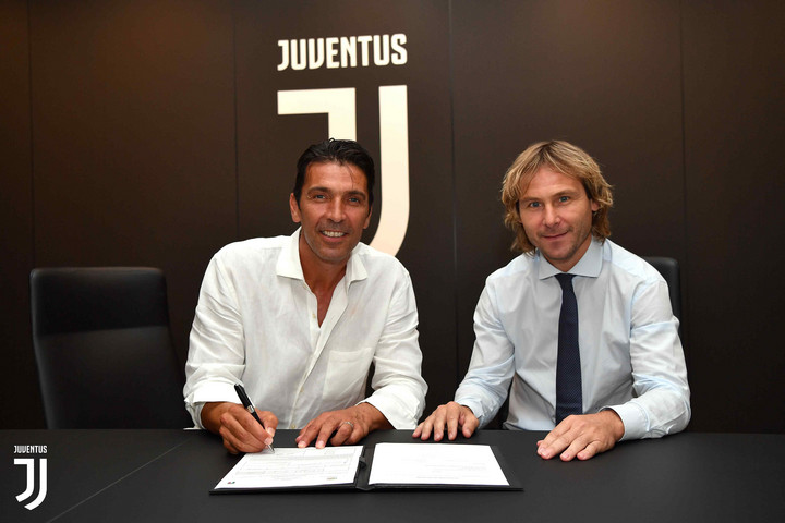 Hivatalos: Buffon visszatér a Juventushoz