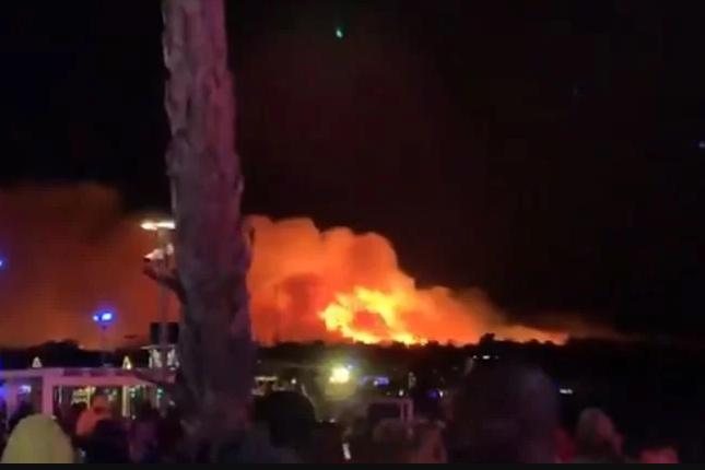 Több mint tízezer nyaralót evakuáltak Pag szigetén a tűz miatt