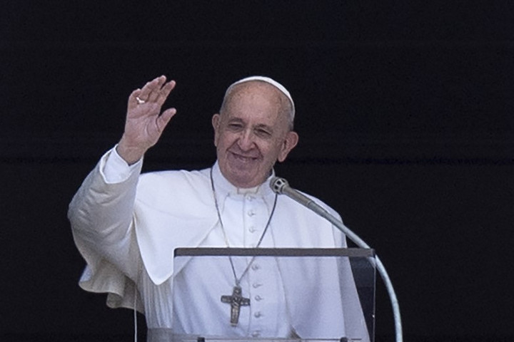 Ferenc pápa ellátogatott a magyar kézműves betlehemekhez