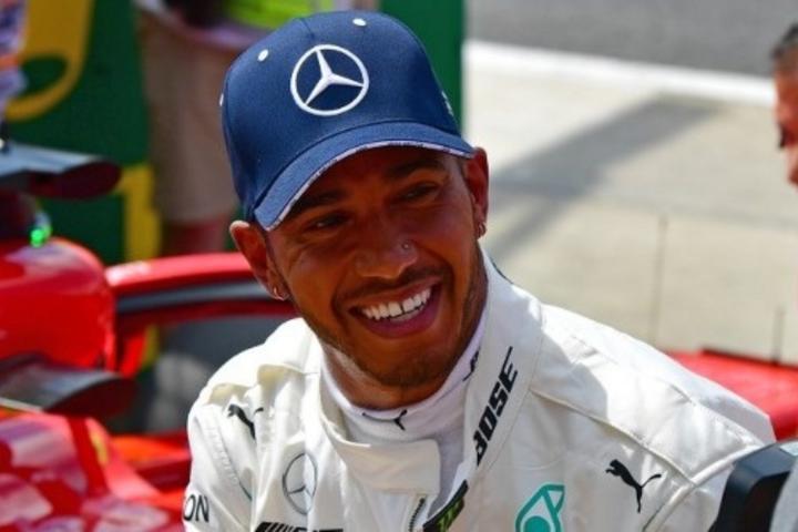 Hamilton nyert Silverstone-ban