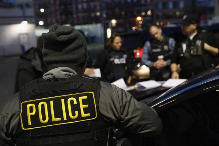 Vasárnap tíz amerikai városban kezdik meg az illegális migránsok kitoloncolását