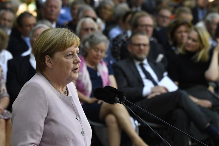 Merkel: Nem szabad elfelejtenünk a történelem leckéjét