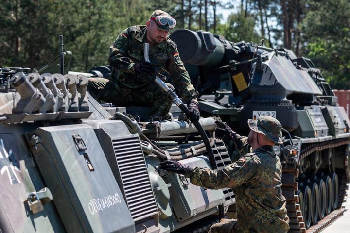 Több milliárd euró hiányzik a német haderő fejlesztéséhez