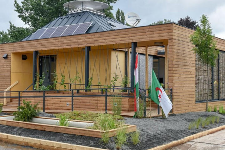 Több díjat is nyert egy nemzetközi versenyen a Miskolci Egyetem csapatának emberi érzelmekre reagáló háza