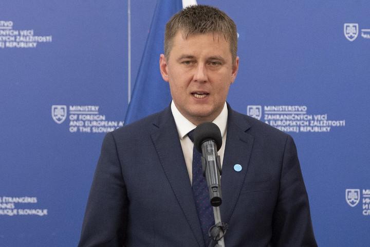 A cseh külügyminiszter szerint erősíteni kell a V4-ek koalíciós képességeit