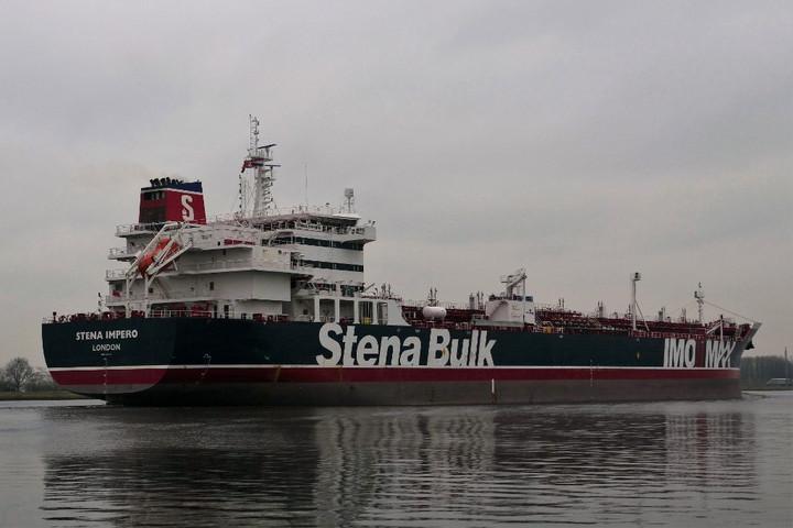 London nem tervez katonai akciót, de követeli Irántól a lefoglalt tartályhajó elengedését