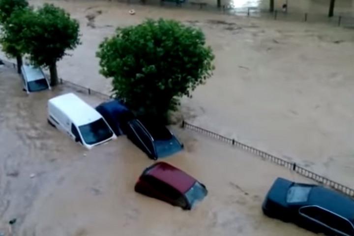 Halálos áldozata is van az áradásoknak Észak-Spanyolországban