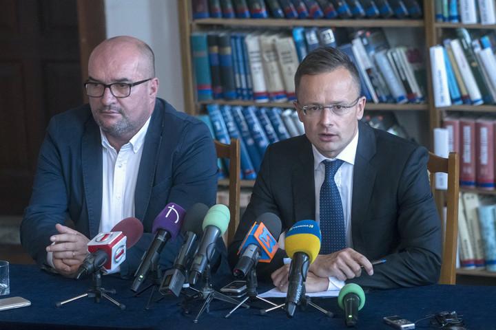 A kijevi külügyminisztérium az ukrán hatóságokhoz fordul Szijjártó kárpátaljai látogatása miatt