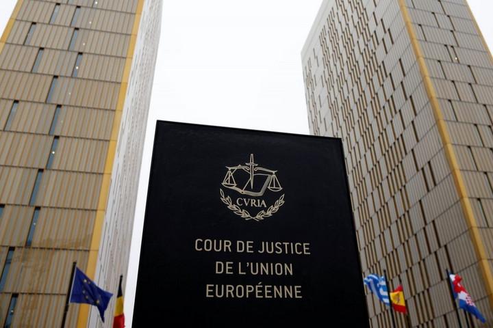 A magyar bíróság felülírhatja a menekültügyi hivatal határozatát